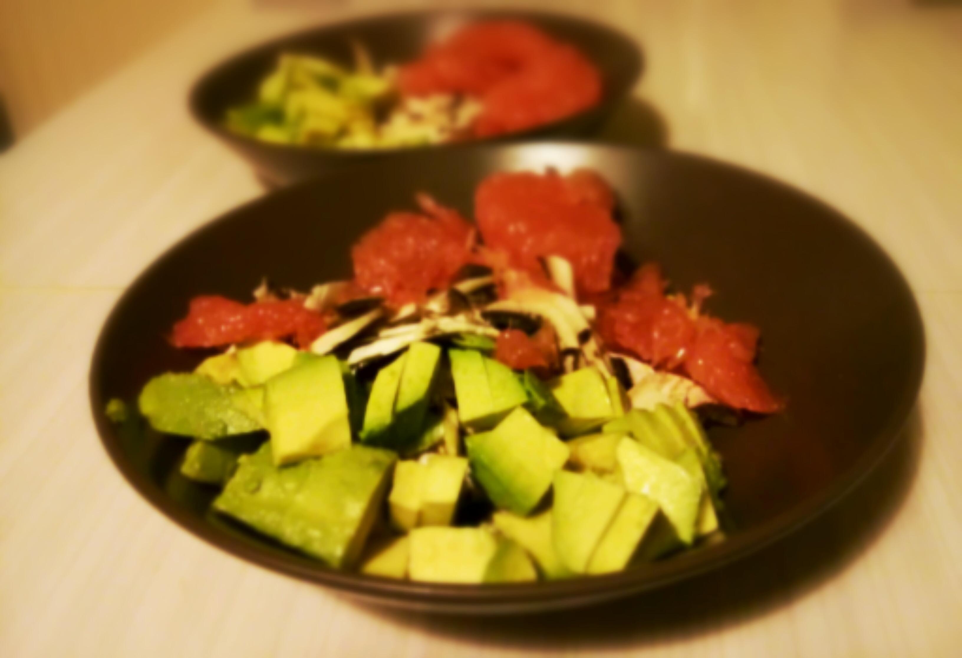 Champignon avocat pamplemousse une salade d 39 hiver for Entree originale hiver
