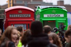 cabine-telephone-green-londres-verte-recharge-solaire